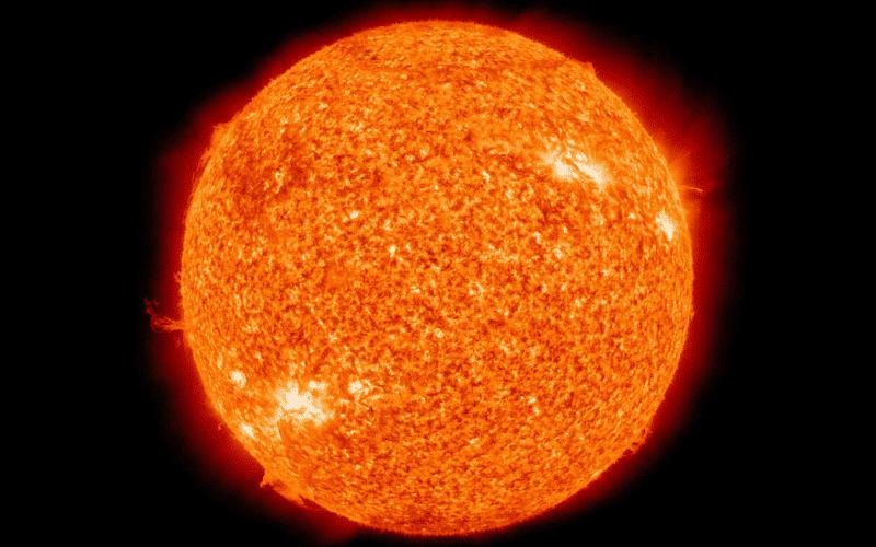 Para observar el Sol con un telescopio es necesario utilizar un filtro solar de tapa para telescopio.