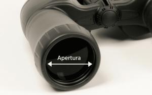 La apertura es el tamaño de los objetivos de los prismáticos.