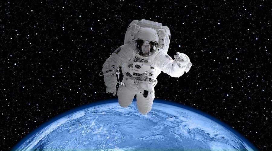 Los juguetes de astronomía para niños aumentan su curiosidad e interés por la ciencia.