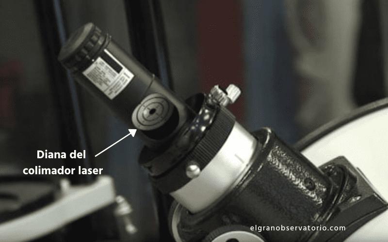 El colimador laser sirve para ajustar los espejos de un telescopio reflector.