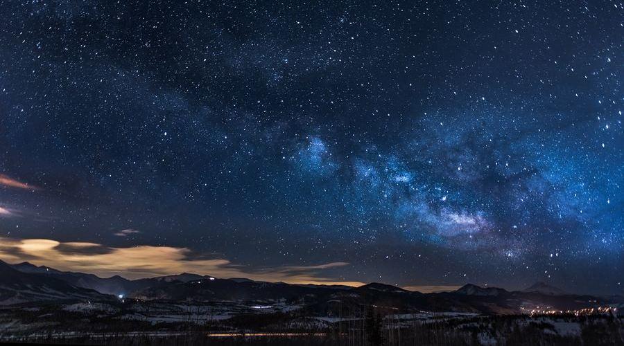 Los telescopios Celestron Travel Scope está pensados para llevar de viaje y observar las estrellas.