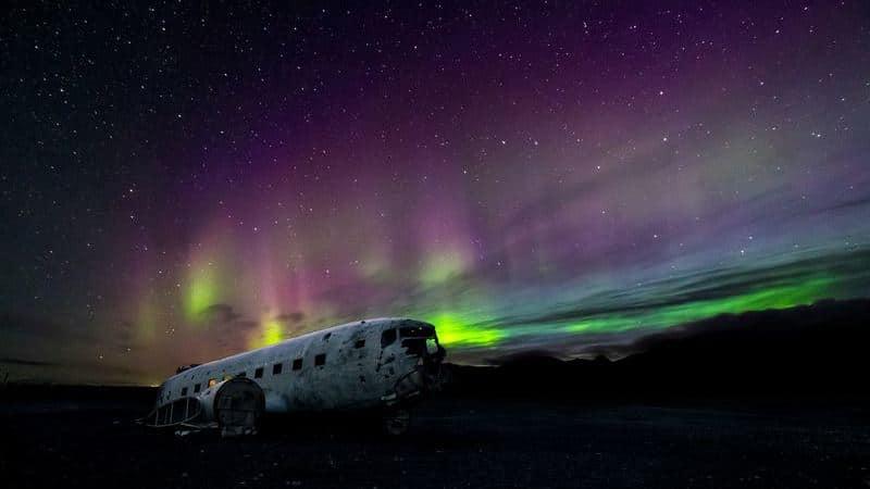 Islandia es un destino perfecto para ver auroras boreales.