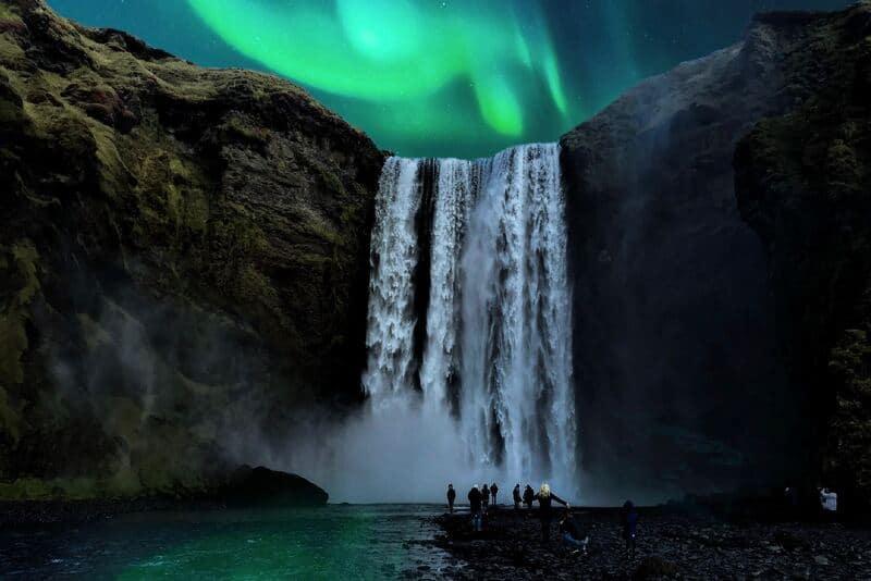 Para fotografiar la aurora boreal tienes que tener en cuenta el tiempo de exposición.