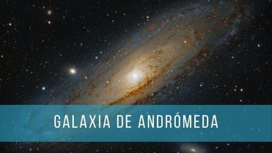 La galaxia de Andrómeda se puede ver fácilmente con un telescopio o unos prismáticos.