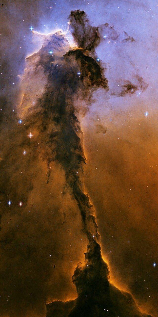 Aguja Estelar en la nebulosa del Águila.